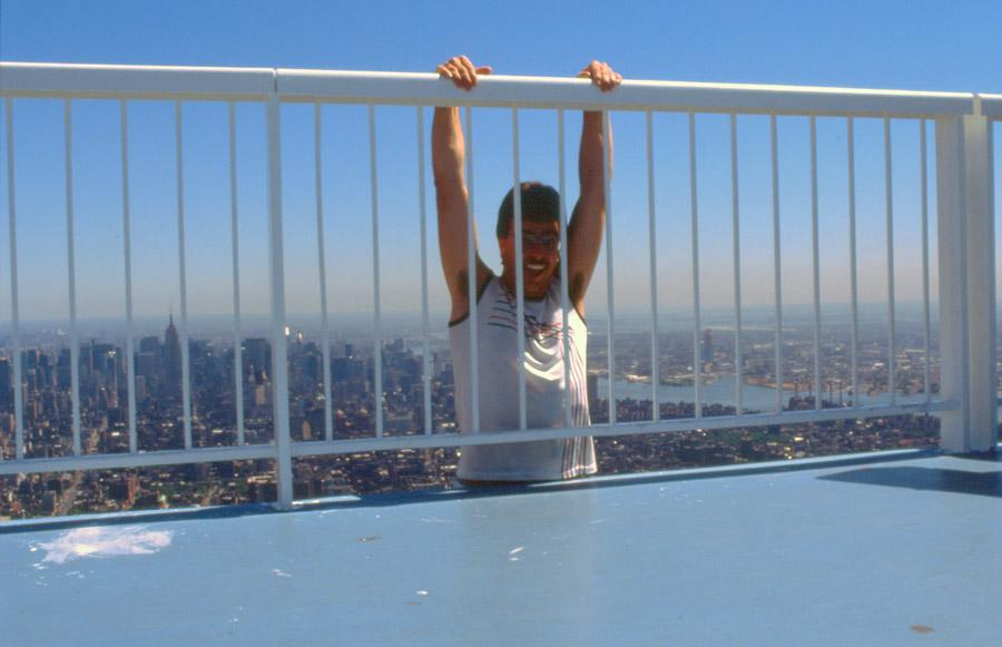 MY_WTC #308 | Fredi 1988 | hanging on the top of WTC